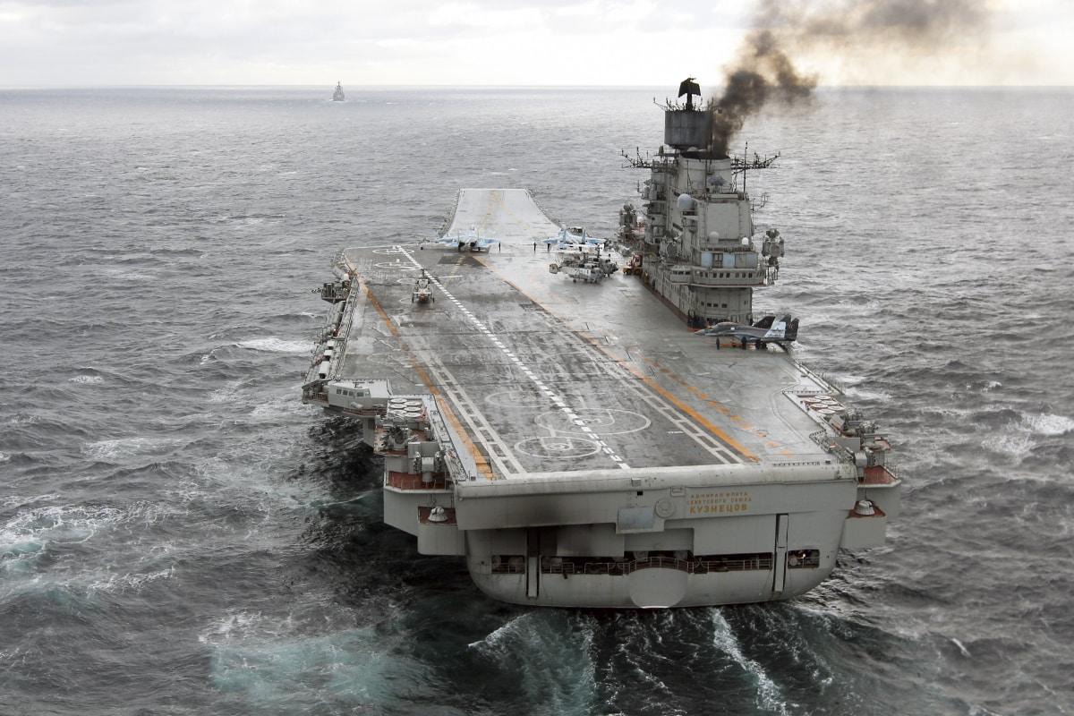 Тяжёлый авианесущий крейсер «Адмирал Флота Советского Союза Кузнецов». В качестве системы целеуказания и разведки используются спутники Лотос-С. Фото - Министерство обороны Российской Федерации (mil.ru)