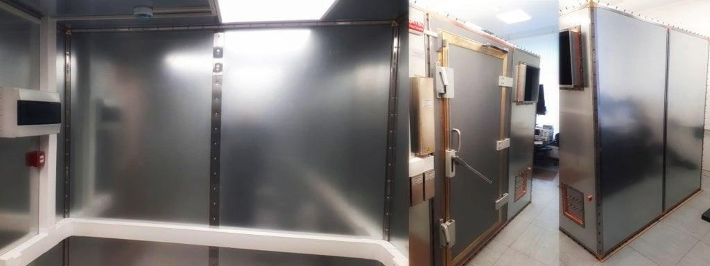 Экранирующая камера производства компании ТЕСАРТ. Безэховая камера соответствует I классу ГОСТ 30373-95. Для соединения панелей и профилей в стыках используются токопроводящие листы и жгуты ЗИПСИЛ 101 РЭП-01.