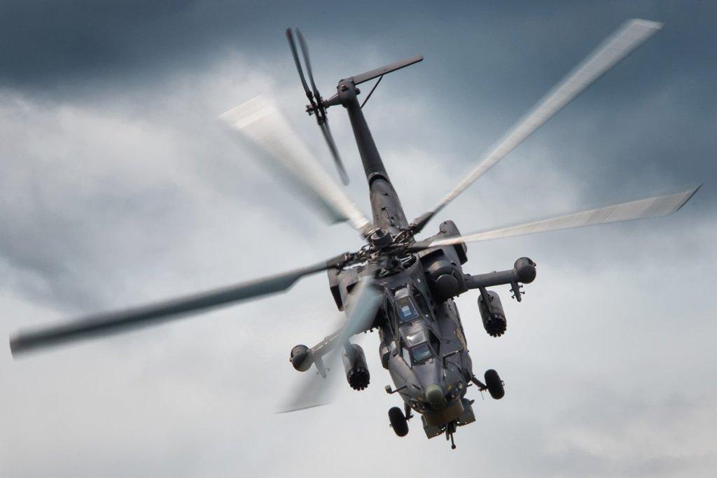 Ударный вертолёт Ми-28Н «Ночной охотник». Разработан ОКБ М. Л. Миля, входящей в состав госкорпорации «Ростех». Комплекс бортового радиоэлектронного оборудования данного вертолёта требует обширного применения СВЧ-поглощающих материалов.