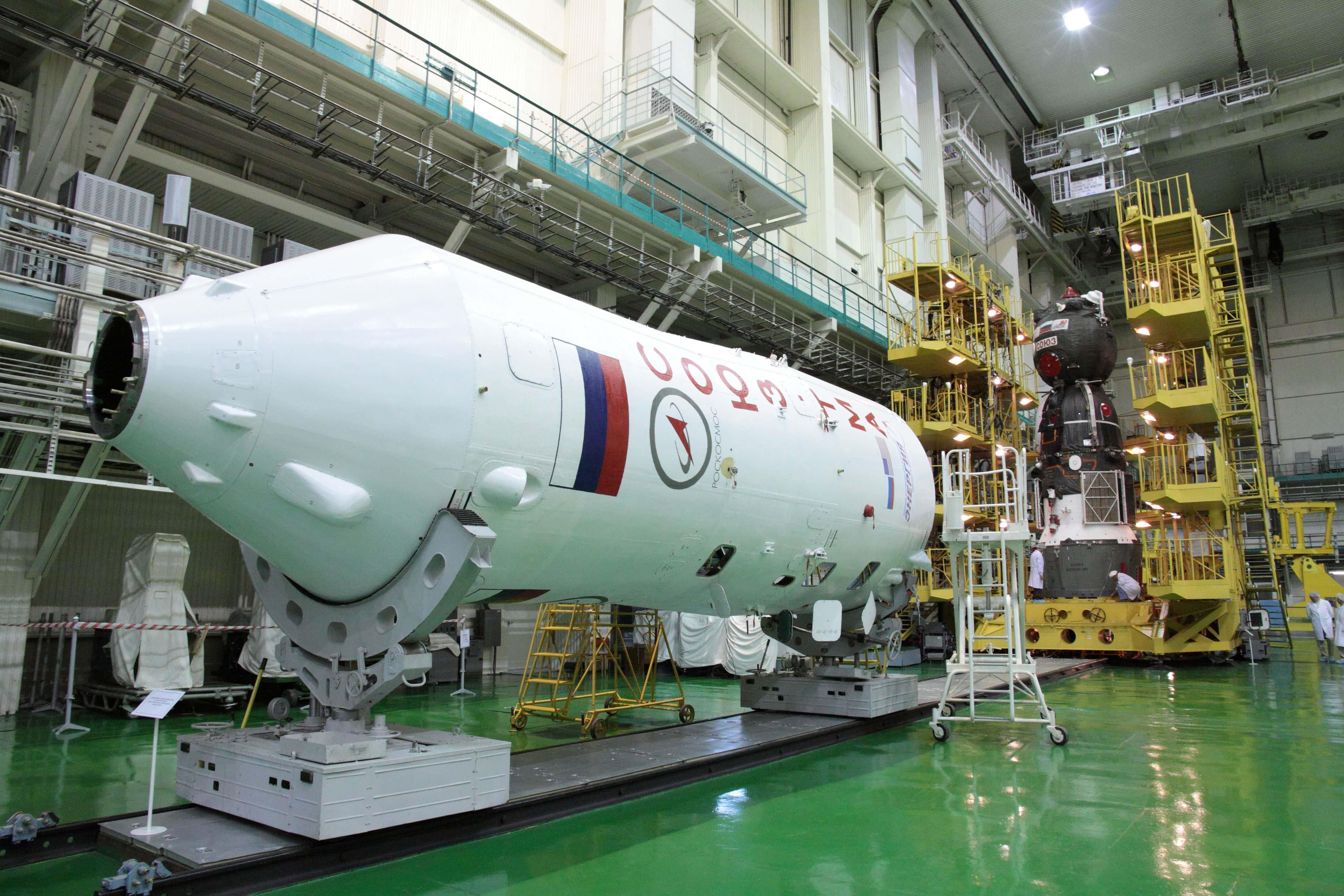 Многие испытательные лаборатории Ракетно-космической корпорации «Энергия» имени С. П. Королёва активно используют экранирующие материалы с целью снижения влияния внешнего электромагнитного излучения